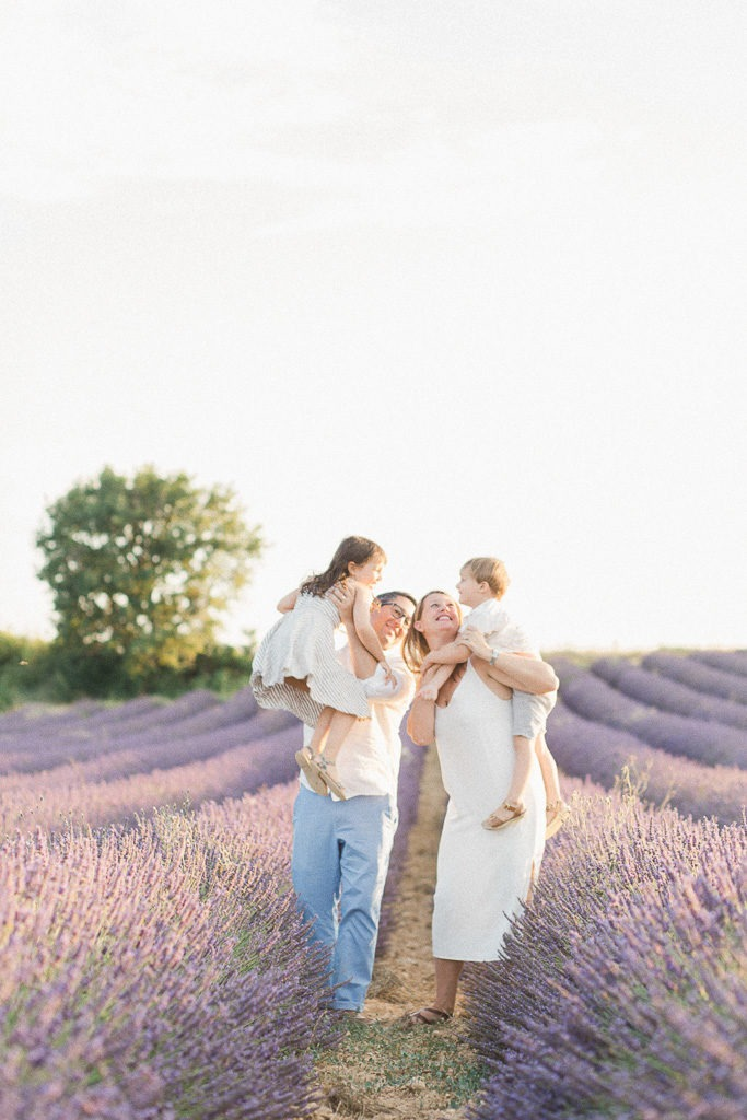 When and where to shoot lavender fields in France ? claire-eyos