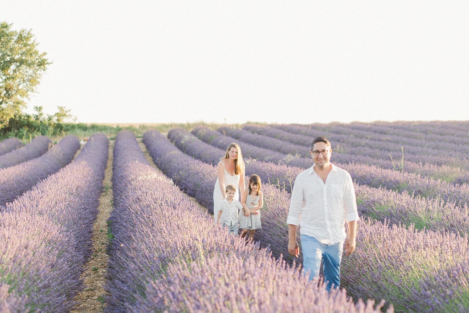 lavenderfamilyphotoshoot
